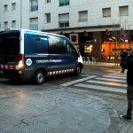 Un tribunal español ha condenado a penas de hasta 31 años de cárcel a tres de los cuatro acusados de la violación múltiple de una joven; esto ocurrió en una nave abandonada de Sabadell, en febrero de 2019. En tanto que otro de los acusados fue absuelto por no probarse que estuviera presente.