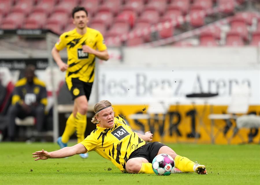 El representante del delantero noruego Erling Haaland, Mino Raiola, dijo que el Borussia Dortmund le ha comunicado que no tiene la intención de vender al futbolista cuando finalice esta temporada.