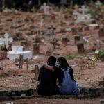 El número de muertes globales por COVID-19 aumentó un 11 % en la pasada semana con respecto a la anterior, con 71 mil decesos registrados; esto según el informe epidemiológico de la Organización Mundial de la Salud -OMS- hecho público hoy.