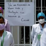Las enfermeras de Panamá extendieron a 48 horas la huelga que en principio solo por 24 horas; lo hicieron sin dejar de atender las urgencias ni la vacunación contra el COVID-19, para exigir el pago de deudas salariales y mejores condiciones laborales.