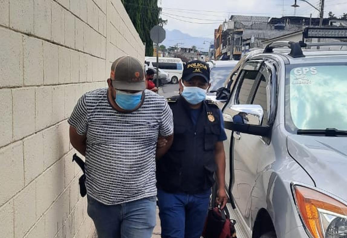 Las autoridades reportan la captura de 188 hombres por violencia contra la mujer en distintas manifestaciones; esto entre el 1 de enero y el 13 de abril de este año. Según el informe de la División Especializada en Investigación Criminal -DEIC- de Policia Nacional Civil -PNC-.
