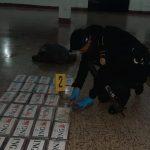 Las fuerzas de seguridad localizaron durante el fin de semana 104 paquetes de cocaína en 2 embarcaciones en Escuintla. Por este hecho se capturó a siete personas.