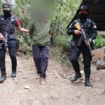 Agentes de la Policía Nacional Civil -PNC- reportaron dos capturados y la erradicación de 800 matas de marihuana; esto en el municipio de Mataquescuintla, Jalapa.