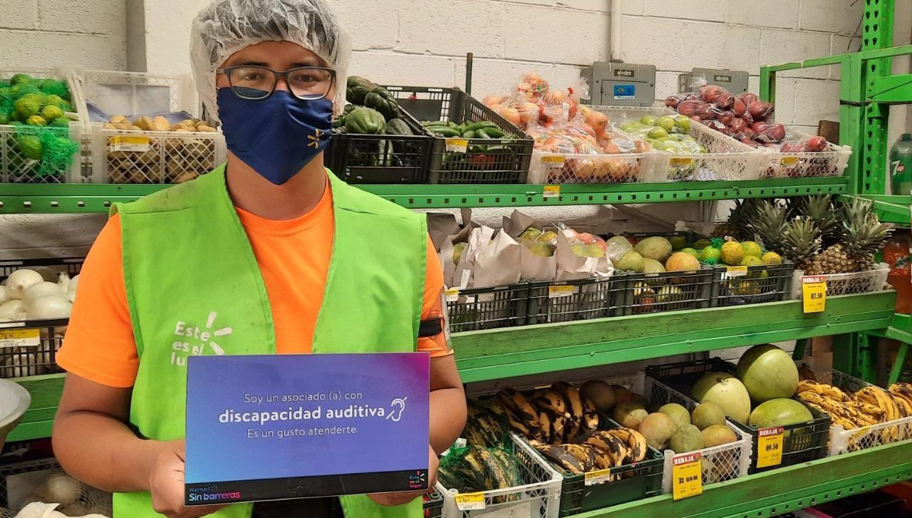 Walmart Guatemala y el Benemérito Comité Pro Ciegos y Sordos firman convenio de cooperación para la inclusión de personas con discapacidad