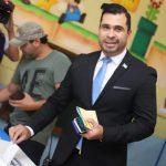 Neto Bran, alcalde de Mixco, podría quedarse sin inmunidad por recomendación de un tribunal del mismo municipio. Al jefe edil se le acusa de la contratación de una persona para que se dedicara a atacar y desprestigiar personas a través de redes sociales.