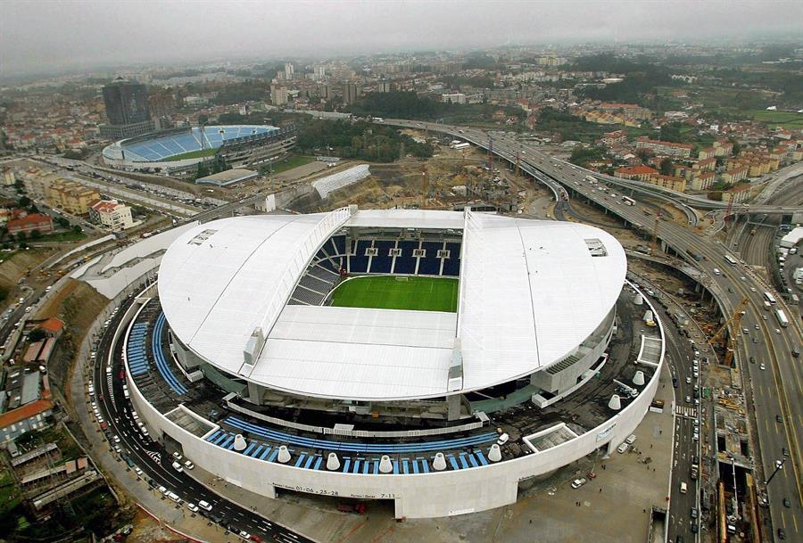 Las autoridades de la Unión Europea de Fútbol -UEFA- eligieron a la ciudad portuguesa de Oporto como la nueva sede de la final de la Liga de Campeones de Europa; el partido se disputará el 29 de mayo entre el Chelsea y el Manchester City.