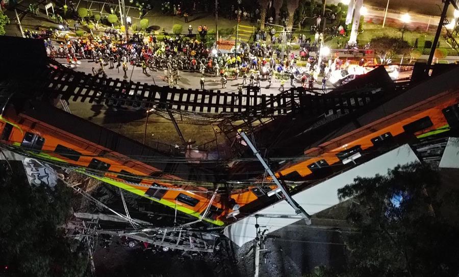 Al menos 23 personas murieron y 65 están hospitalizadas por el accidente de un metro de la Ciudad de México; este ocurrió en la noche del lunes al desplomarse una viga que sostenía un puente de la línea 12 entre la estaciones de Olivos y Tezonco.