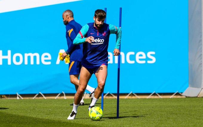 La plantilla del Barcelona se sometió, antes del entrenamiento de este miércoles en la Ciudad Deportiva Joan Gamper, a una prueba de antígenos. Todos los futbolistas azulgranas dieron negativo, según informaron a EFE fuentes del club catalán.