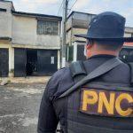 Un total de 127 allanamientos se llevaron a cabo durante la mañana a de este viernes contra estructuras de la mara 18 dedicadas a las extorsiones. En el operativo participaron más de 1 mil 200 agentes de Policía Nacional Civil -PNC-, en coordinados con fiscales del MP.