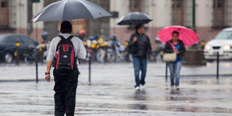 Durante la presente semana se prevé que se generen áreas con niebla en la mañana así como ambiente cálido y húmedo; además, lluvias con actividad eléctrica sobre regiones del sur al centro del país y departamentos fronterizos con México.