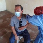 Las autoridades iniciaron con la fase 2 de vacunación contra el COVID-19 a los adultos mayores de 70 años en Suchitepéquez.