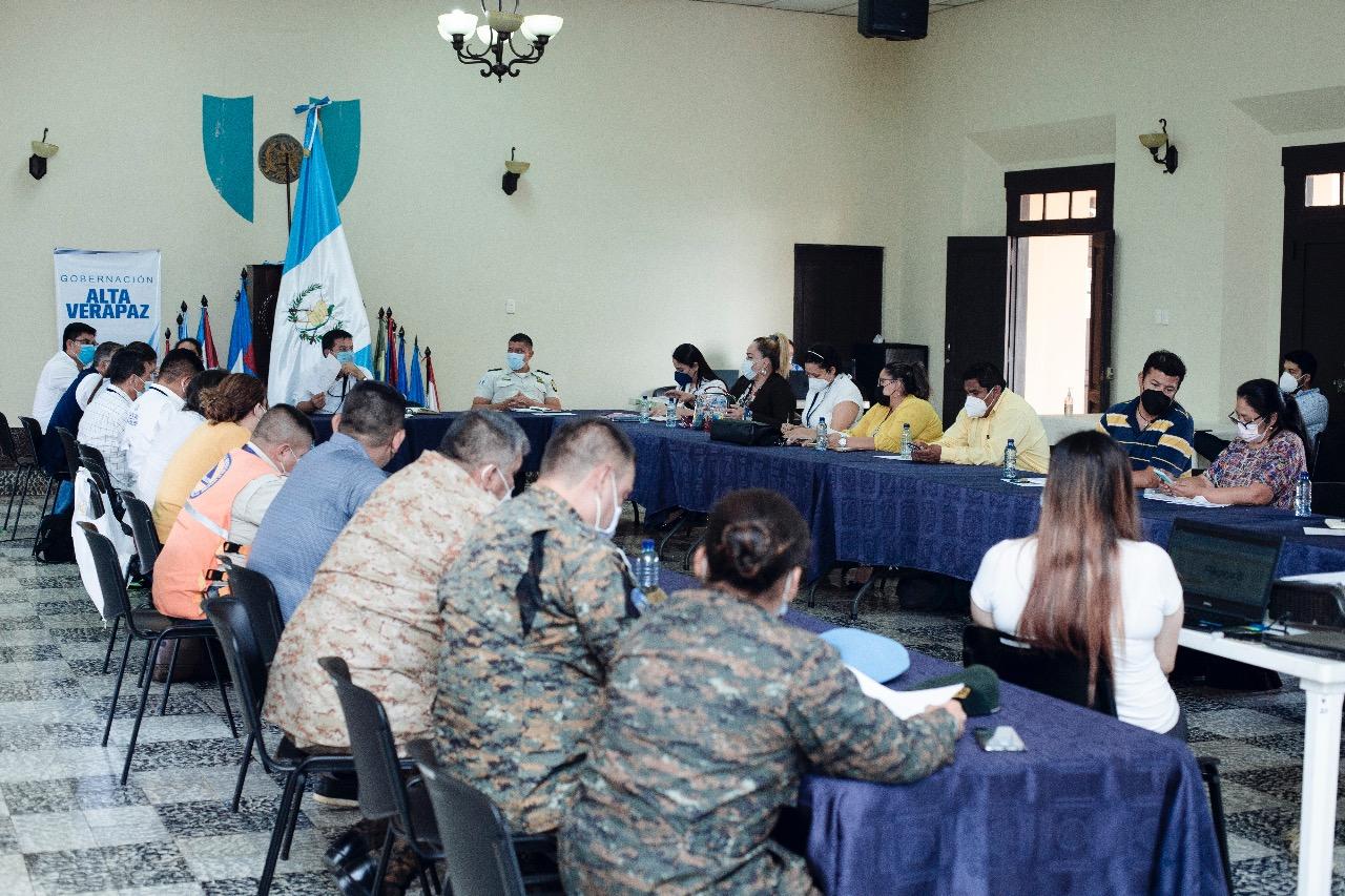Las autoridades departamentales buscan soluciones a un conflicto agrario en Alta Verapaz; se trata de un problema entre pobladores en el sector de Cubilguitz, en el kilómetro 256 de la ruta que conecta Cobán con Chisec.