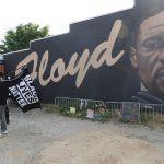 Un gran jurado federal de Estados Unidos imputó este viernes a cuatro exagentes de policía. Entre ellos Derek Chauvin, por supuestamente haber violado los derechos constitucionales del afroamericano George Floyd, que murió en mayo pasado en Mineápolis -Minesota-.