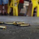 Un operativo dejó 25 muertos entre ellas un policía, y otras 5 quedaron heridas; dos de ellas cuando se movilizaban en el metro; ocurrió durante una operación policial este jueves contra una banda de narcotraficantes en una favela de Río de Janeiro, informaron medios locales.