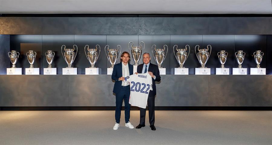 El Real Madrid y Luka Modric han acordado la ampliación del contrato del centrocampista croata hasta el 30 de junio de 2022, informó el club en un comunicado.