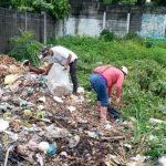 Un basurero clandestino que llevaba meses de existir en el interior del cementerio de Retalhuleu, fue limpiado por las autoridades municipales; esto ante la petición que se había hecho de parte de varias familias que visitan el camposanto.