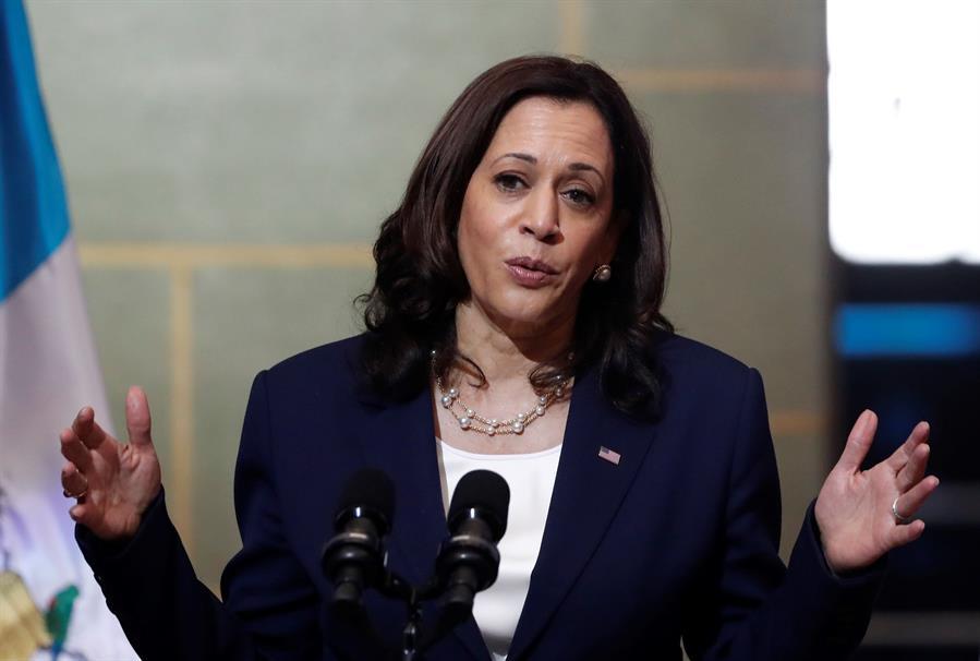 La vicepresidenta de Estados Unidos, Kamala Harris, aseguró en una entrevista exclusiva con Efe que le solicitó a Guatemala y México dejar trabajar a la prensa; además pidió lo mismo para las ONG.