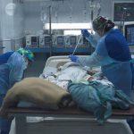 Chile volvió a sumar este viernes más de 8 mil casos nuevos de COVID-19, una de las cifras más altas de toda la pandemia; al tiempo que sumó 98 decesos, que elevan la cifra total de muertes a 29 mil 696 desde el inicio de la crisis sanitaria.