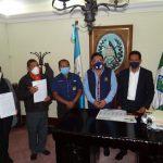 Autoridades de la Gobernación Departamental de Sacatepéquez y de la Municipalidad de San Juan Alotenango firmaron un convenio para la ejecución de obras de desarrollo.
