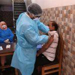 India confirmó la primera muerte a causa de una reacción adversa a la vacuna contra el COVID-19. La única confirmada hasta ahora por las autoridades indias tras más de 250 millones de dosis administradas en casi cinco meses.