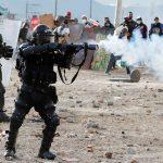 Un joven de 32 años muere tras enfrentamiento con el Escuadrón Móvil Antidisturbios -Esmad- de la policía en Usme, Bogotá. Durante la disputa el joven resultó herido por el impacto de un objeto contundente.