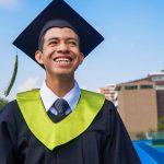 El programa Apadrina de Good Neighbors Guatemala beneficia a más de 13 mil jóvenes anualmente, con apoyo académico y becas de estudios. Este es el caso de Maydelín y Wilber, dos adolescentes beneficiarios de este programa y que están por culminar sus estudios de diversificado. Inspirando así a que otros jóvenes salgan adelante.