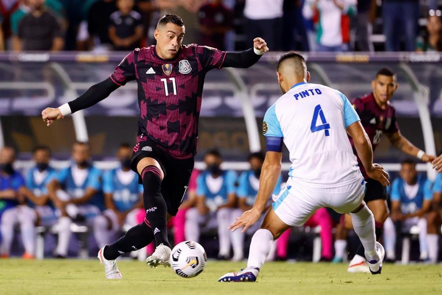 La Selección de Guatemala cayó 3-0 contra su similar de México y se quedó sin posibilidades de avanzar a la siguiente fase; con su segunda derrota la Azul y Blanco quedó en el último lugar del grupo A, sin sumar ningún punto.