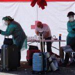 Europa, donde por primera vez en diez semanas ha vuelto a subir el contagio de coronavirus, puede vivir una nueva ola de COVID-19; podría ocurrir en otoño si no se mantienen las medidas sanitarias y las precauciones individuales. Así lo ha advertido la Organización Mundial de la Salud -OMS-.