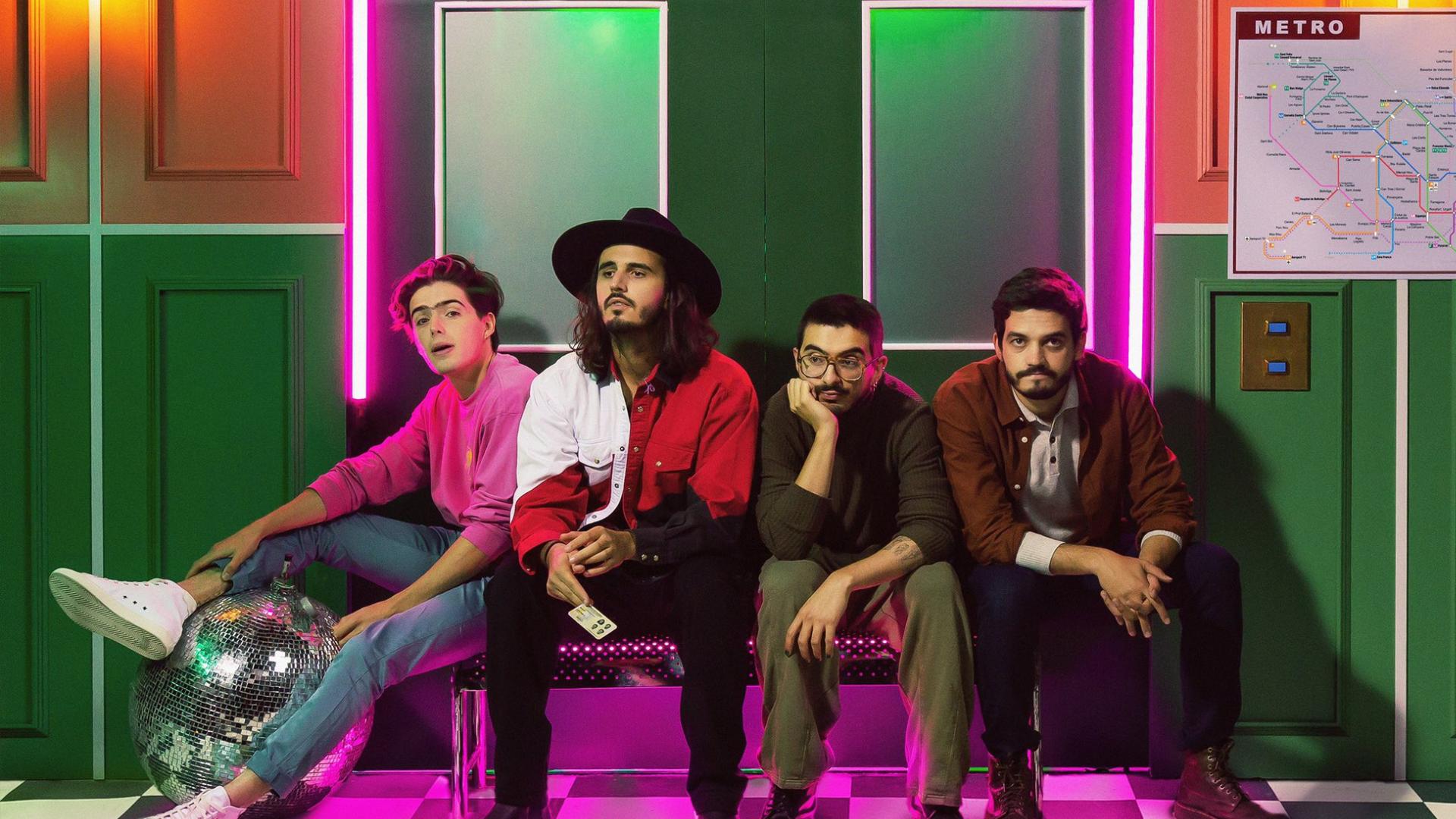 """Morat, una de las bandas más exitosas del pop actual en español, regresa con su tercer trabajo discográfico titulado """"¿A Dónde Vamos?""""."""