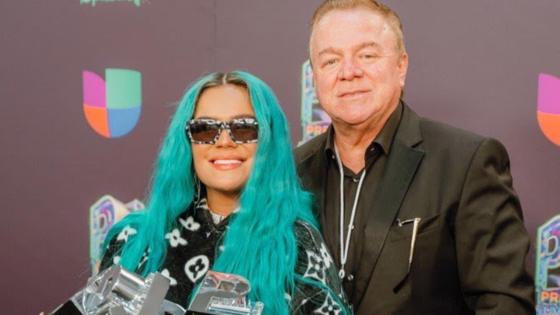 Demostrando una vez más su gran influencia artística, Karol G logra causar un impacto importante durante la ceremonia de Premios Juventud. No solo fue la artista más nominada de la noche, sino que también fue la artista que recibió la mayoría de los galardones. Llevándose así un total de seis premios.