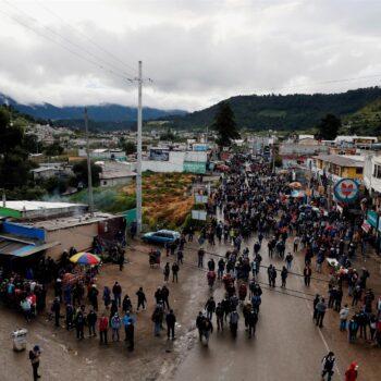 Guatemaltecos muestran su repudio al presidente Giammattei y piden su salida