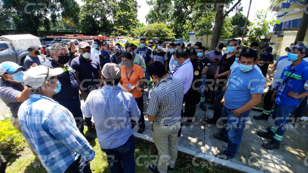 Más de 50 personas entre policías y cuadrillas de empresa eléctrica fueron rescatados, luego de permanecer por más de 24 horas retenidas; esto por comunitarios del sector el Tope de San Antonio, Suchitepéquez.