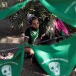 La Comisión de Mujeres y Equidad de Género de la Cámara de Diputados de Chile rechazó un proyecto de ley que busca despenalizar el aborto. Por lo que dicho documento será votado en el pleno parlamentario con recomendación negativa por parte de la instancia.
