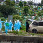 El incremento de casos de COVID-19 en jóvenes de entre 17 y 30 años continúa en aumento en Quetzaltenango. Las autoridades de salud mantienen su preocupación por la situación debido a la situación.