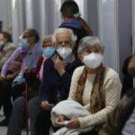 Chile sigue manteniendo sus medidas de bioseguridad y no renuncia al uso permanente de las mascarillas pese a los avances en la vacunación; esto debido a la presencia de la variante delta que sigue siendo la más contagiosa en una América que ya suma 80,2 millones de infecciones.