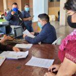ElÁrea de Salud de Quiché, en coordinación con la gobernación departamental y la Municipalidad de Santa Cruz del Quiché, puso en marcha una jornada de vacunación comunitaria para proteger a la población contra el COVID-19.