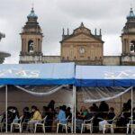 Guatemala agregó 48 muertos y 2 mil 808 casos positivos de COVID-19 en las últimas 24 horas; así lo aseguró el Ministerio de Salud Pública y Asistencia Social en su más reciente actualización de datos de la pandemia.