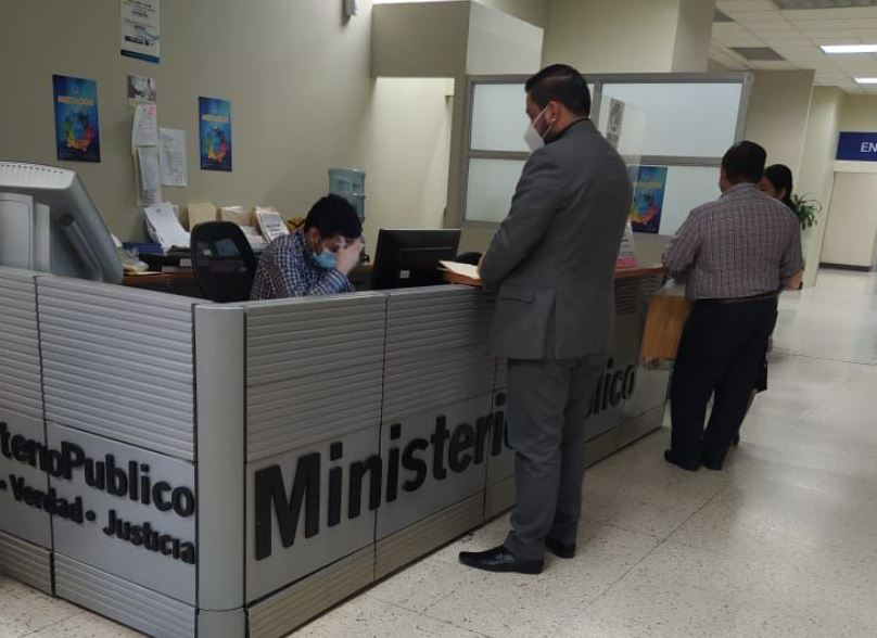 Este martes se presentó una denuncia contra la Directora del Instituto de la Víctima, Alejandra Carrillo, por un supuesto caso de plazas fantasma.