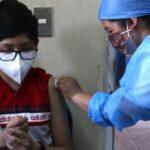 La vacunación continuó con su plan de inocular a menores de entre 12 y 17 años en el departamento de Totonicapán, informó el Ministerio de Salud.