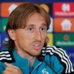 """Luka Modric, volante croata del Real Madrid y ganador de un Balón de Oro, pidió el galardón de 2021 para su compañero Karim Benzema; por """"como ha jugado este año"""" y """"por su trayectoria""""."""