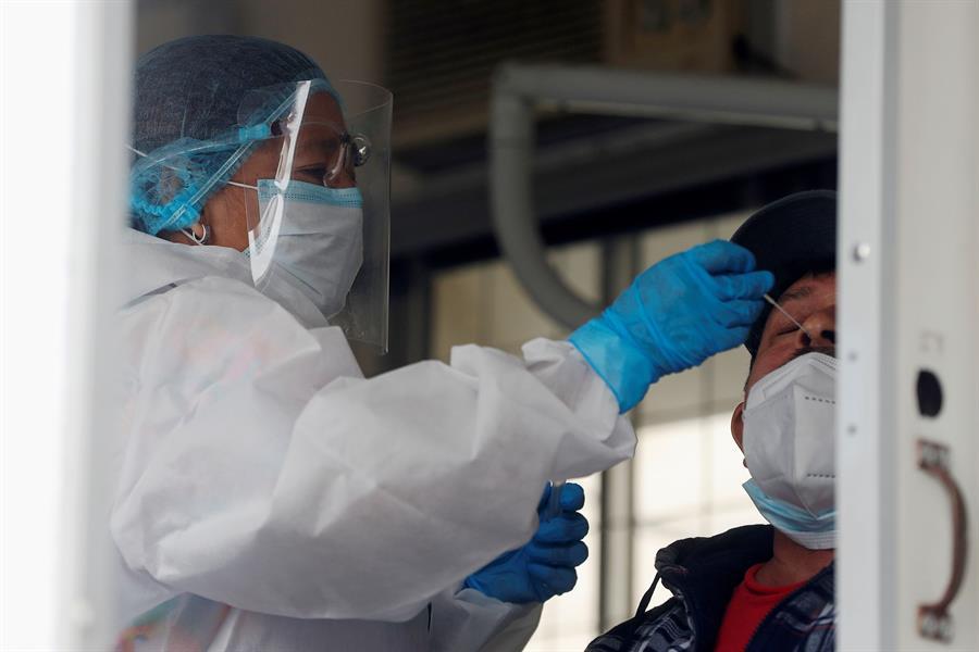 El COVID-19 ha provocado que 14 mil 27 personas hayan muerto en Guatemala, luego del último recuento del Ministerio de Salud. Según el informe actualizado de las autoridades sanitarias se agregaron 41 fallecidos en la última jornada; además de 680 nuevos casos.