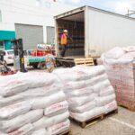 Walmart de México y Centroamérica y 8 proveedores locales se unen para donar más de Q258,000.00 en productos de primera necesidad al banco de alimentos