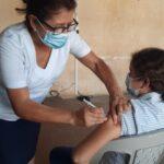 La vacunación para adolescentes en Suchitepéquez inició el pasado 4 de septiembre. A partir de ese día el Ministerio de Salud lanzó la invitación para que los menores de 12 a 17 años pudieran optar a la vacuna; en los primeros tres días se logró inocular a 300 adolescentes.